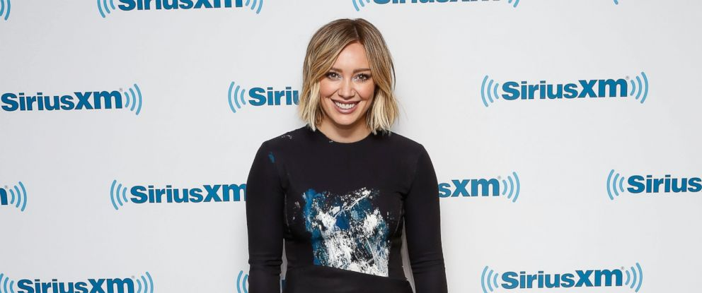 PHOTO: Actress Hilary Duff visits the SiriusXM Studios on Jan. 11, 2016 in New York City.