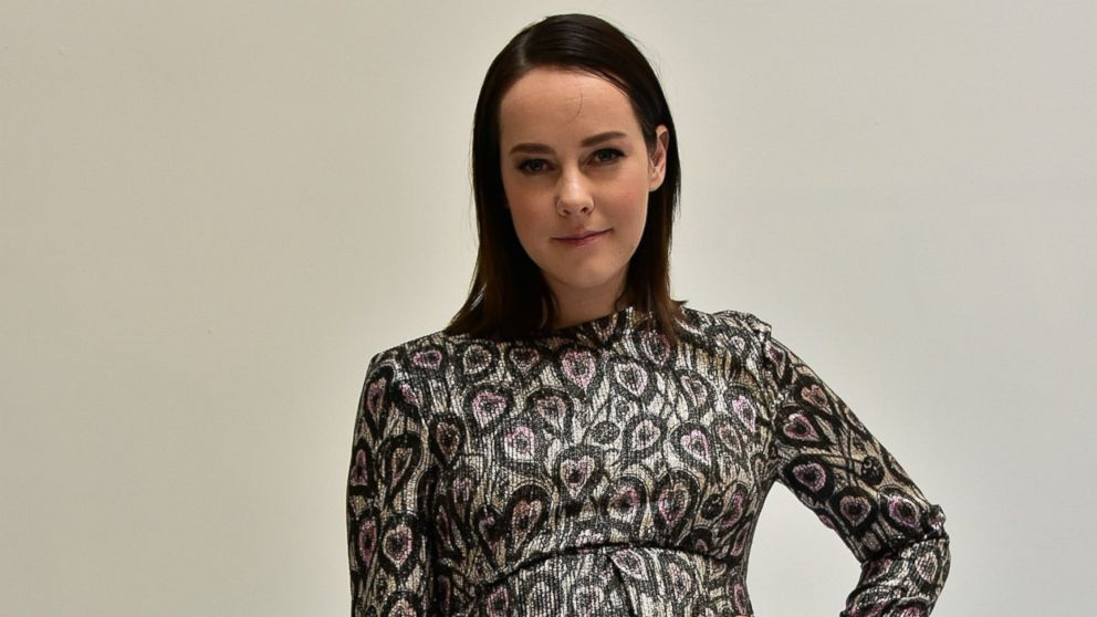 39 hunger games 39 actress jena malone gives birth to a son abc news. Black Bedroom Furniture Sets. Home Design Ideas