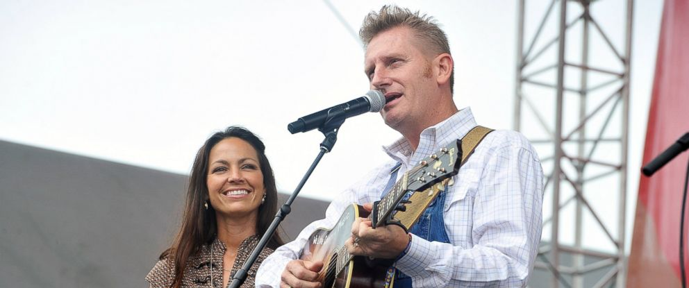 PHOTO: Rory Feek and Joey Feek of the band Joey & Rory perform on the Chevrolet Riverfront Stage during the 2013 CMA Music Festival on June 9, 2013 in Nashville, Tenn.