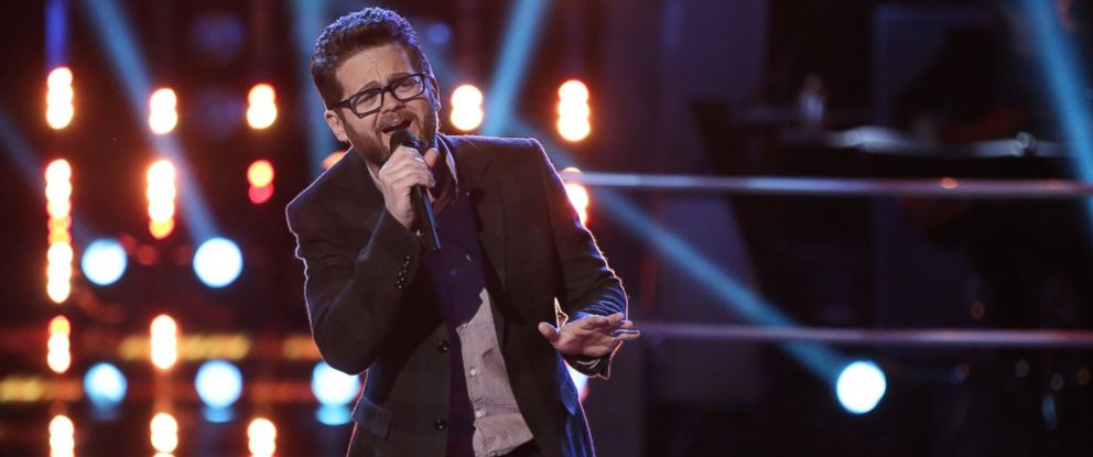 """PHOTO: Josh Kaufman performs on """"The Voice,"""" March 31, 2014."""