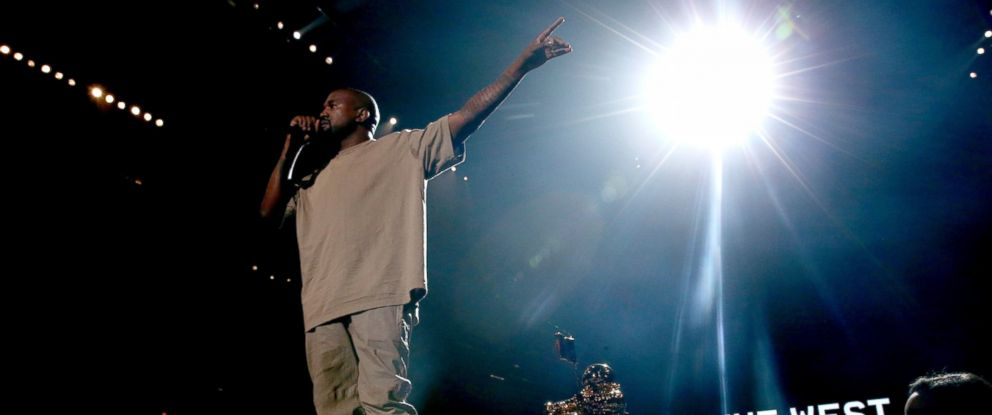 PHOTO: Kanye West accepts the Vanguard Award onstage during the 2015 MTV Video Music Awards at Microsoft Theater on August 30, 2015 in Los Angeles, California.