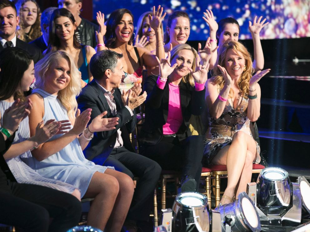 PHOTO: Marlee Matlin and Lea Thompson cheer in the audience of Dancing with the Stars, on May 2 (8:00-10:01 p.m. EDT) on the ABC Television Network.