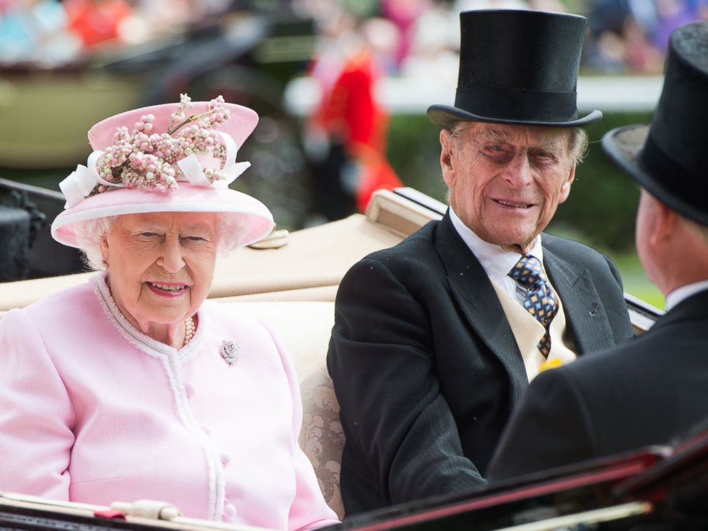 PHOTO: Queen Elizabeth II and Prince Philip, Duke of Edinburgh arrive by carriage on day 2 of Royal Ascot at Ascot Racecourse on June 8, 2016 in Ascot, England.