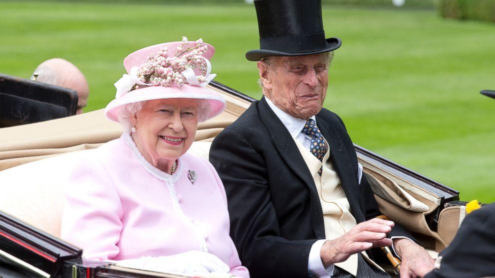 https://s.abcnews.com/images/Entertainment/GTY_Royal_Ascot_Queen_Elizabeth_hb_160615_16x9_992.jpg
