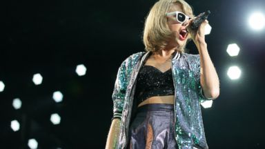 Exclusive Taylor Swift Opens Up About 1989 Concert Tour Film Abc News