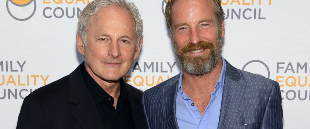 PHOTO: Actor Victor Garber and artist Rainer Andreesen attend the Family Equality Councils 2014 Night at the Pier at Pier 60, May 12, 2014, in New York.