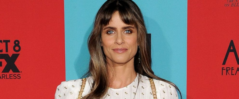 PHOTO: Amanda Peet arrives at the Los Angeles premiere of American Horror Story: Freak Show at TCL Chinese Theatre IMAX, Oct. 5, 2014, in Hollywood, Calif.
