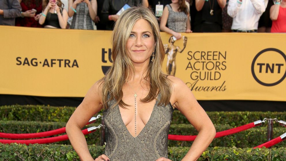 How Jennifer Aniston Was Almost Replaced on 'Friends ...