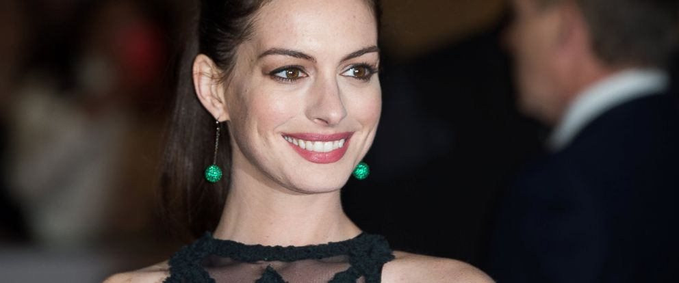 "PHOTO: Anne Hathaway attends the UK Premiere of ""The Intern"" at Vue West End, Sept. 27, 2015 in London."