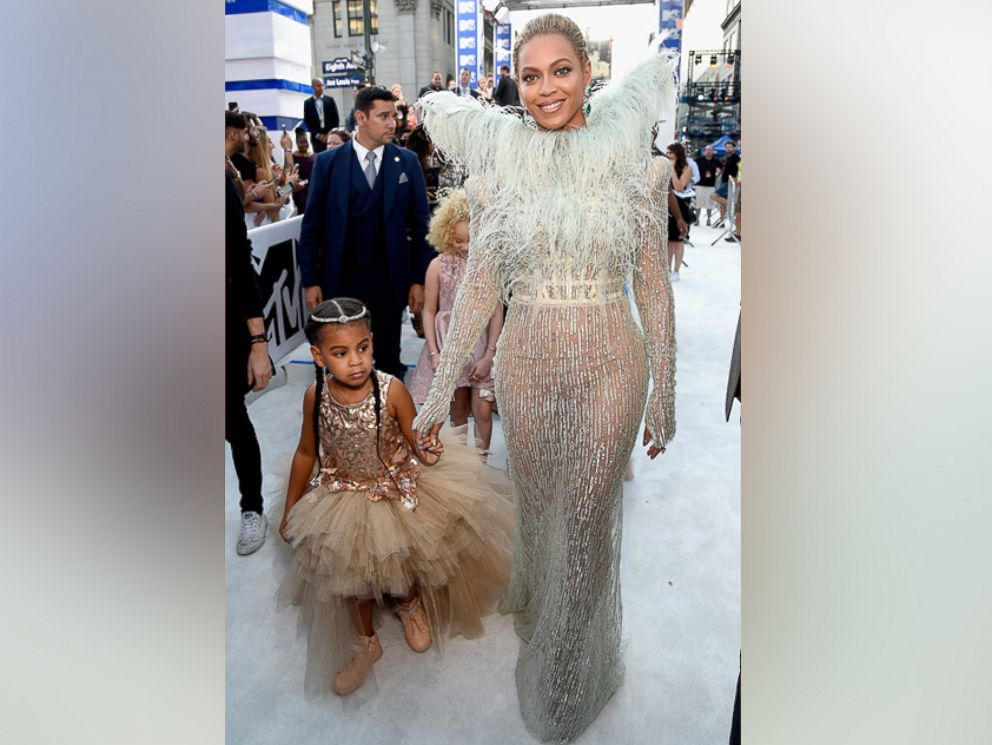 PHOTO: Beyonce Knowles and daughter Blue Ivy Carter attend the 2016 MTV Video Music Awards at Madison Square Garden, Aug. 28, 2016, in New York City.
