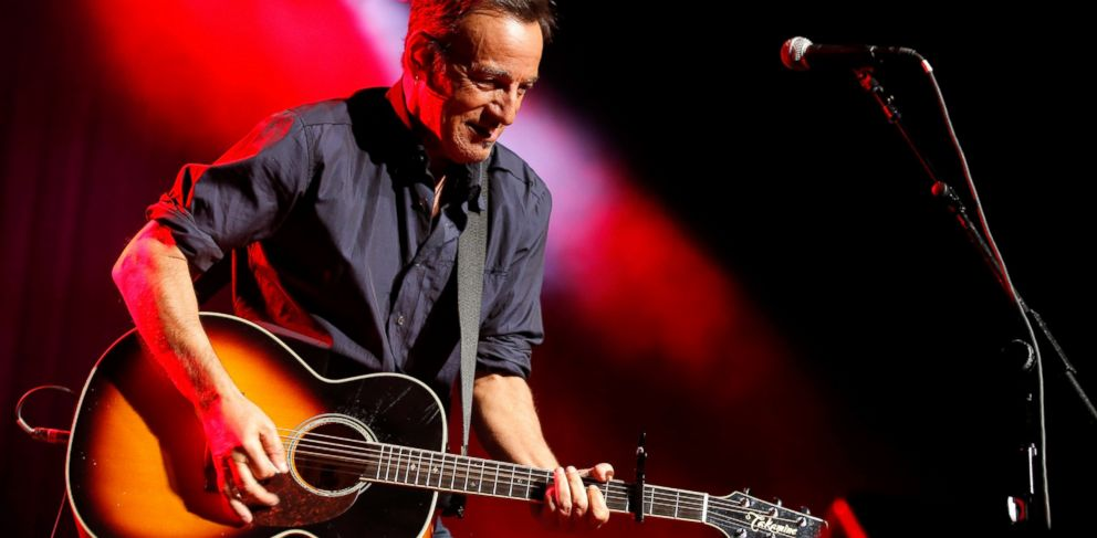 """PHOTO: Bruce Springsteen performs at the 7th annual """"Stand Up For Heroes"""" event at Madison Square Garden, Nov. 6, 2013 in New York."""