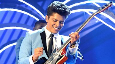 PHOTO: Bruno Mars performs onstage during the MTV Europe Music Awards, Nov. 6, 201,1 in Belfast, Northern Ireland.