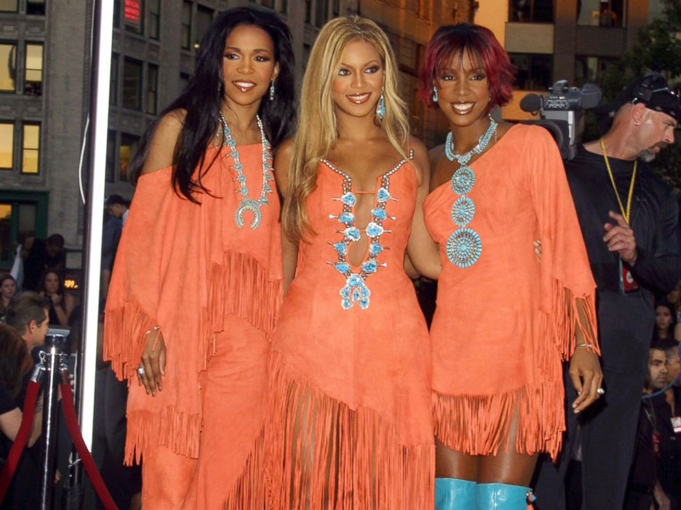 PHOTO: Destinys Child during 2001 MTV Video Music Awards at The Metropolitan Opera House in New York City.