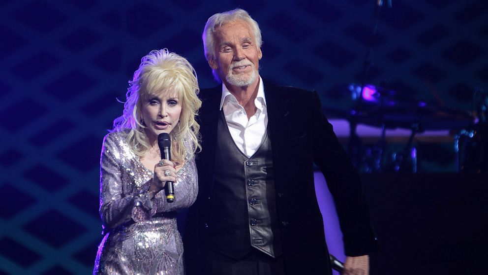 Dolly parton kenny rogers answer romance rumors abc news m4hsunfo
