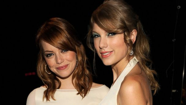 PHOTO: Emma Stone and Singer Taylor Swift attend the 2011 Teen Choice Awards at Gibson Universal Amphitheatre on Aug. 7, 2011 in Universal City, Calif.