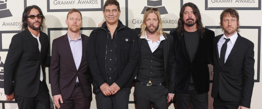 PHOTO:Franz Stahl, Nate Mendel, Pat Smear, Taylor Hawkins, Dave Grohl and Chris Shiflett of Foo Fighters arrive at The 58th Grammy Awards, Feb. 15, 2016, in Los Angeles.