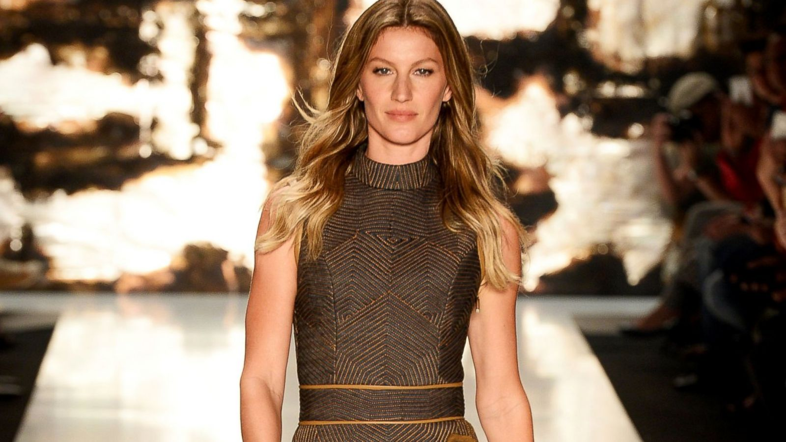 Watch It's Official Gisele Bundchen Retires From the Runway video