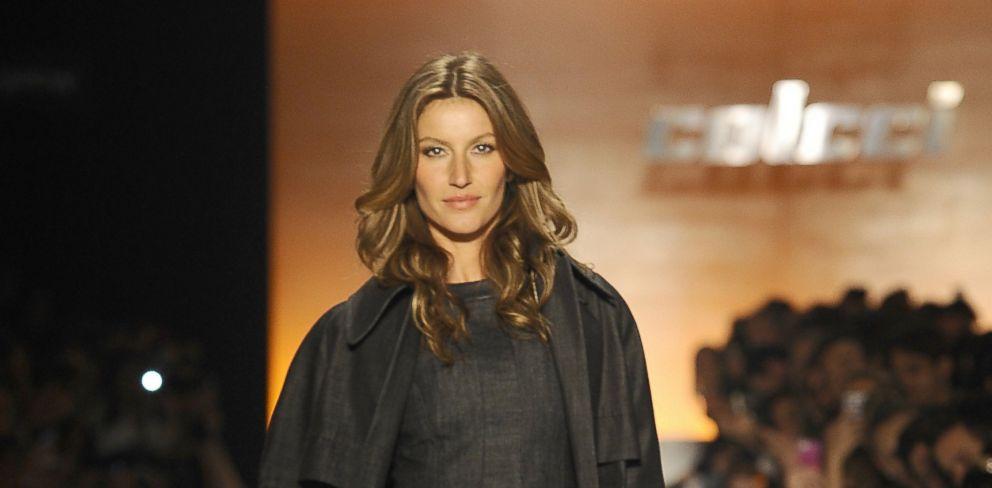85bd75a31 PHOTO: Gisele Bundchen walks the runway during Colcci show at Sao Paulo  Fashion Week,