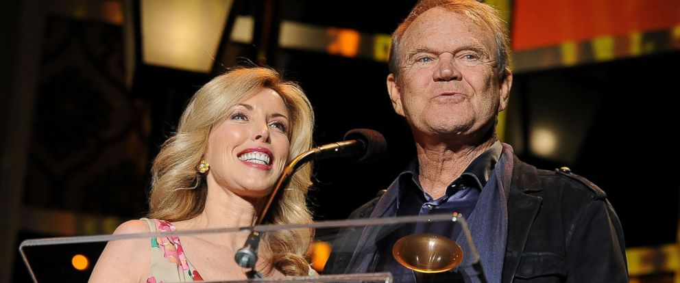 PHOTO: Glen Campbell, right, with wife Kim Campbell, left, is pictured on Feb. 11, 2012 in Los Angeles.