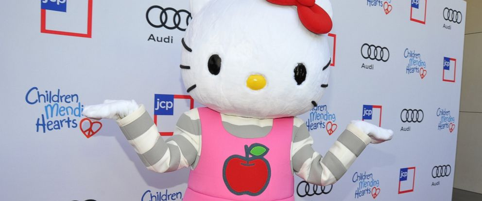 PHOTO: Hello Kitty arrives at the 1st Annual Children Mending Hearts Style Sunday in Beverly Hills