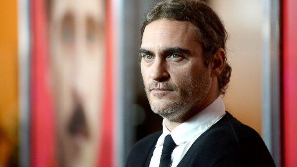 """PHOTO: Joaquin Phoenix attends the premiere of Warner Bros. Pictures """"Her"""" at DGA Theater, Dec. 12, 2013 in Los Angeles, Calif."""