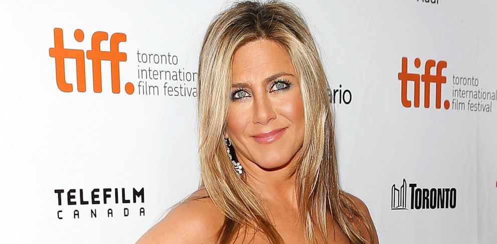"""PHOTO: Jennifer Aniston attends the premiere of """"Life Of Crime,"""" Sept. 14, 2013, in Toronto."""