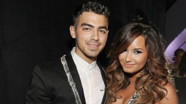 PHOTO: Singer Joe Jonas and singer Demi Lovato arrive at the 2011 MTV Video Music Awards at Nokia Theatre L.A. LIVE, Aug. 28, 2011 in Los Angeles, Calif.