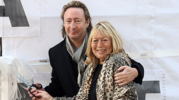 Paul Mccartney Yoko Ono Pay Tribute To Cynthia Lennon Abc News