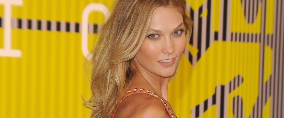 PHOTO: Model Karlie Kloss arrives at the 2015 MTV Video Music Awards at Microsoft Theater, Aug.30, 2015 in Los Angeles, Calif.