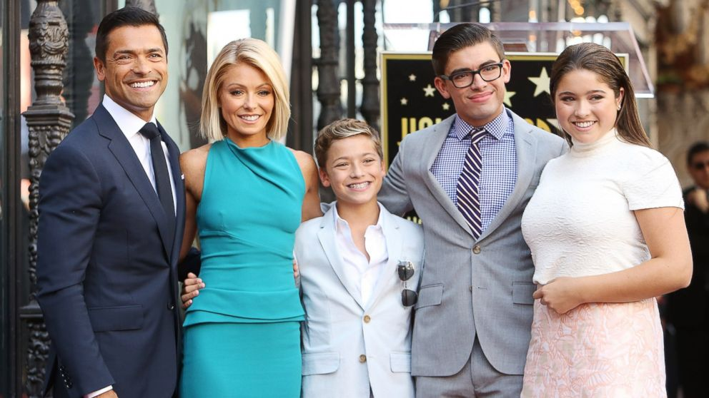 Mark Consuelos Kids Kelly Ripa and Mark Co...