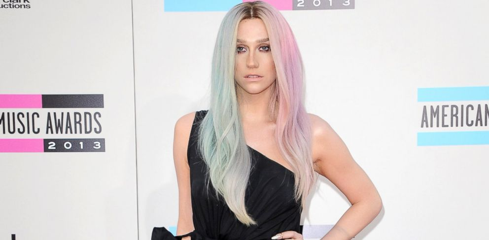 PHOTO: Singer Ke$ha arrives at the 2013 American Music Awards at Nokia Theatre L.A. Live, Nov. 24, 2013, in Los Angeles.