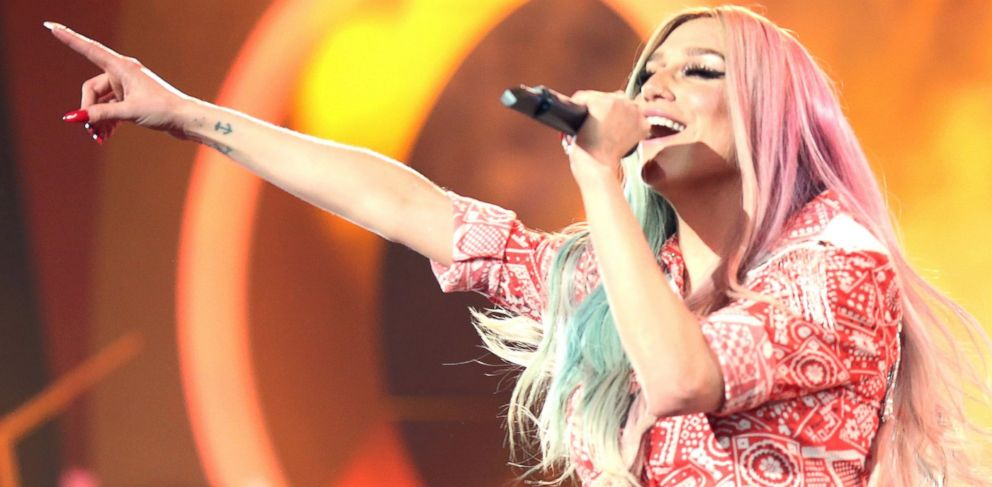 PHOTO: Kesha performs onstage during the 2013 American Music Awards at Nokia Theatre L.A. Live, Nov. 24, 2013 in Los Angeles, Calif.