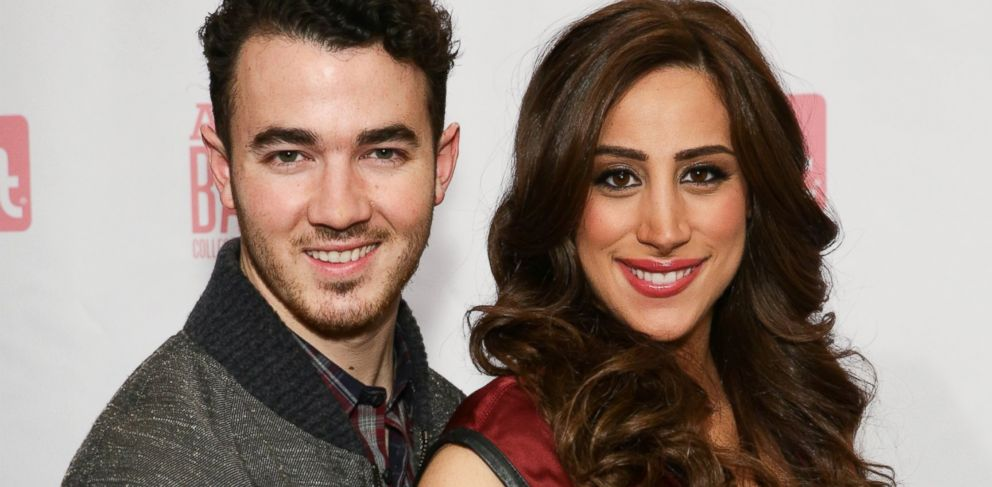 "PHOTO: Kevin Jonas and Danielle Jonas attend the ""Amazing Baby Days"" App launch event at Path 1 Communications in New York, Jan. 7, 2014."