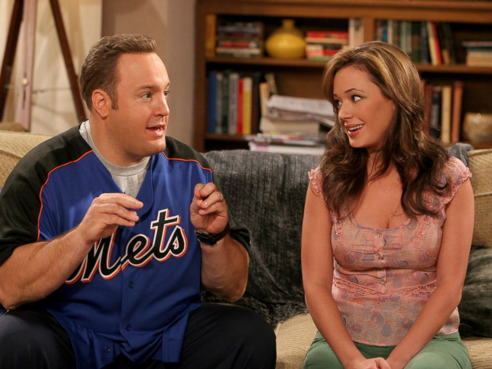 PHOTO: Kevin James and Leah Remini star in The King Of Queens.