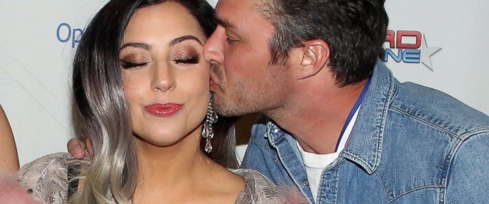 PHOTO: Lady Gaga and Taylor Kinney attend Operation Smiles 4th Annual Celebrity Ski & Smile Challenge VIP Dinner, March 14, 2015, in Park City, Utah.
