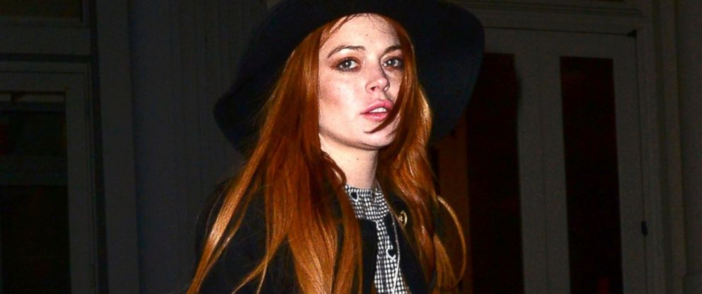 PHOTO: Lindsay Lohan is seen walking in SoHo, April 9, 2014 in New York.