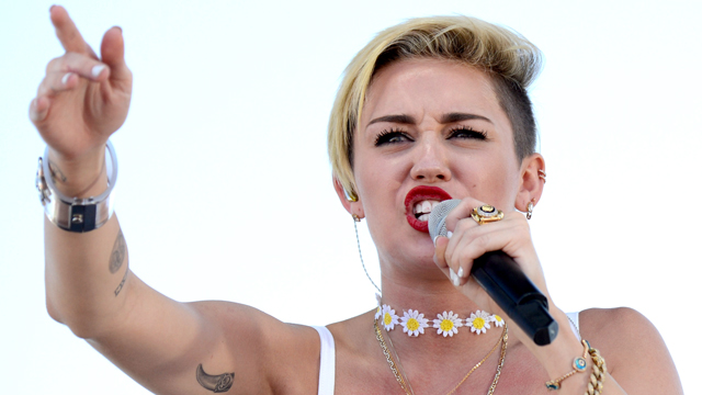 PHOTO:Miley Cyrus performs at the iHeartRadio Music Festival Village in Las Vegas.
