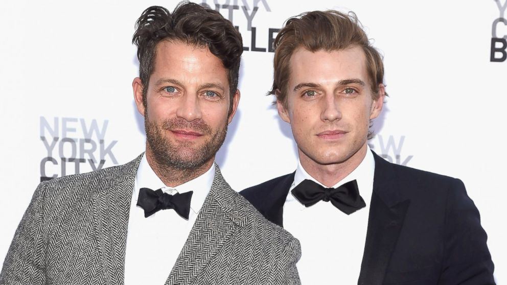 nate berkus and jeremiah brent welcome a daughter abc news. Black Bedroom Furniture Sets. Home Design Ideas