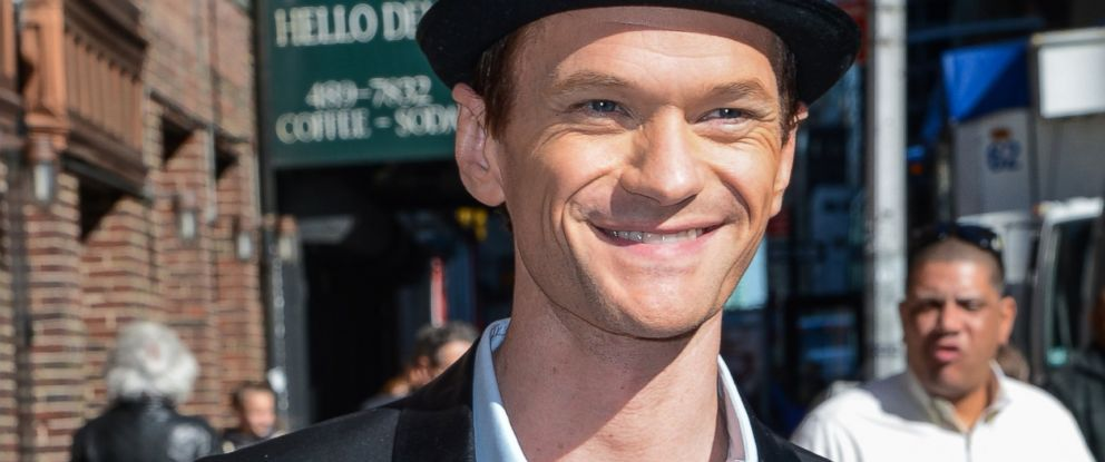 """PHOTO: Neil Patrick Harris leaves a """"Late Show With David Letterman"""" taping at the Ed Sullivan Theater in New York, April 24, 2014."""