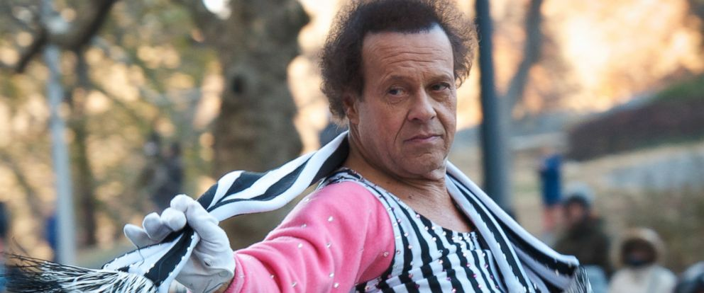 PHOTO: Richard Simmons attends the 87th annual Macys Thanksgiving Day parade on Nov. 28, 2013, in New York.