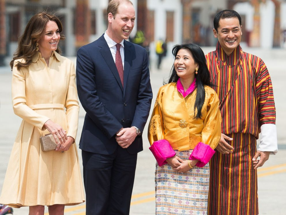 PHOTO:The Duke and Duchess of Cambridge pose for a photo with the sister of the King of Bhutan Chhimi Yangzom and her husband at Paro International Airport, Bhutan, April 14, 2016.