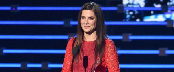 Sandra Bullock Brings Attention to Working Moms During Acceptance
