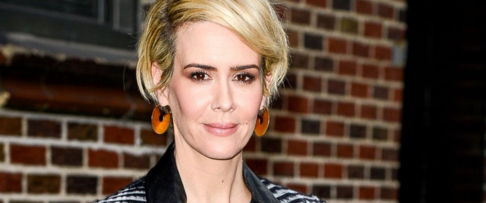 """PHOTO: Sarah Paulson leaves """"The Late Show With Stephen Colbert"""" taping at the Ed Sullivan Theater, March 31, 2016, in New York City."""