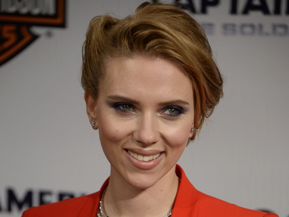 PHOTO: US actress Scarlett Johansson poses during a photocall for the French premiere of Captain America: The Winter Soldier in this March 17, 2014, file photo at the Grand Rex cinema in Paris.