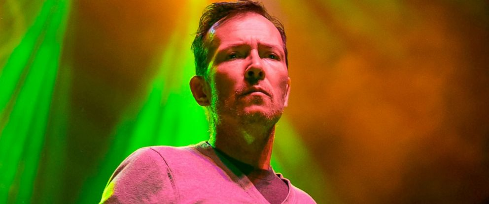 PHOTO: Scott Weiland and the Wildabouts perform at Stars And Stripes Music Festival, June 27, 2015, in Sterling Heights, Michigan.