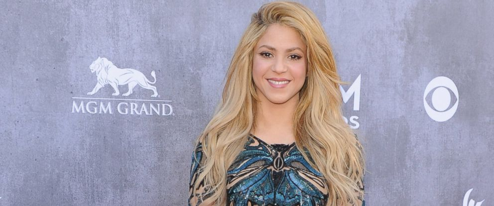 PHOTO: Singer Shakira arrives at the 49th Annual Academy of Country Music Awards at the MGM Grand Hotel and Casino on April 6, 2014 in Las Vegas, Nevada.