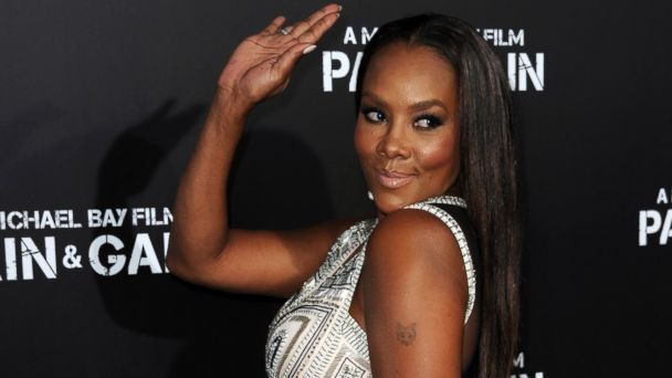 "PHOTO: Vivica A. Fox arrives at the premiere of ""Pain & Gain"" at TCL Chinese Theatre in Hollywood"