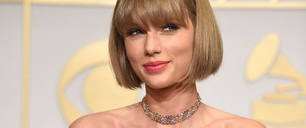 PHOTO: Taylor Swift poses at the The 58th GRAMMY Awards at Staples Center, Feb. 15, 2016 in Los Angeles.