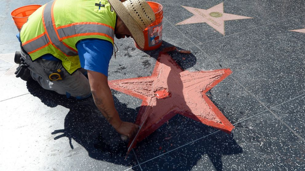 Donald Trumps Defaced Hollywood Walk Of Fame Star To Be Repaired