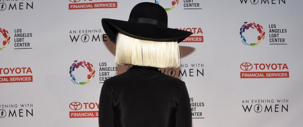 PHOTO: Sia arrives at An Evening With Women Benefiting The Los Angeles LGBT Center at the Hollywood Palladium on May 16, 2015 in Los Angeles.